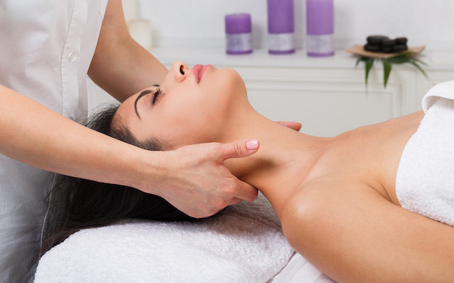 massaggiatore per il collo